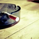 Pykanie szlugów jest pewnym z bardziej zgubnych nałogów